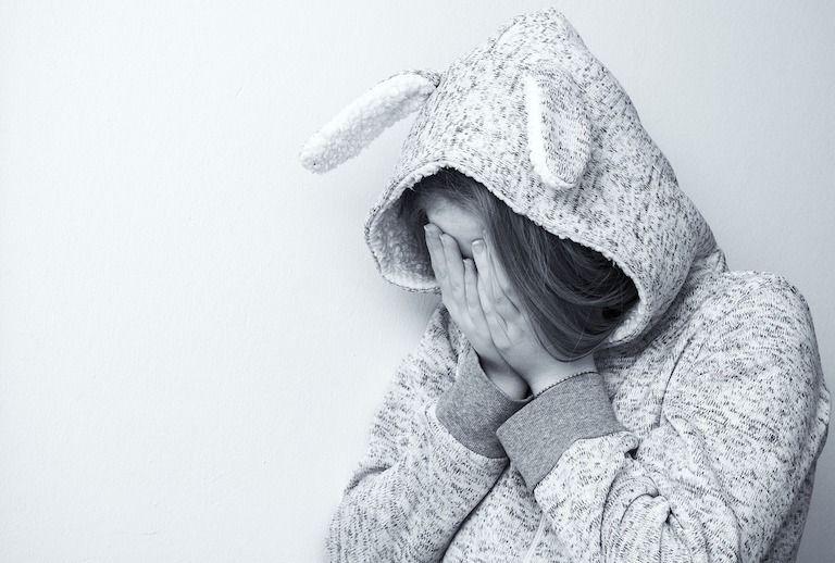 trauma, tragédia, tragédia a családban, gyász, gyász szakaszai, segítség, segítségnyújtás