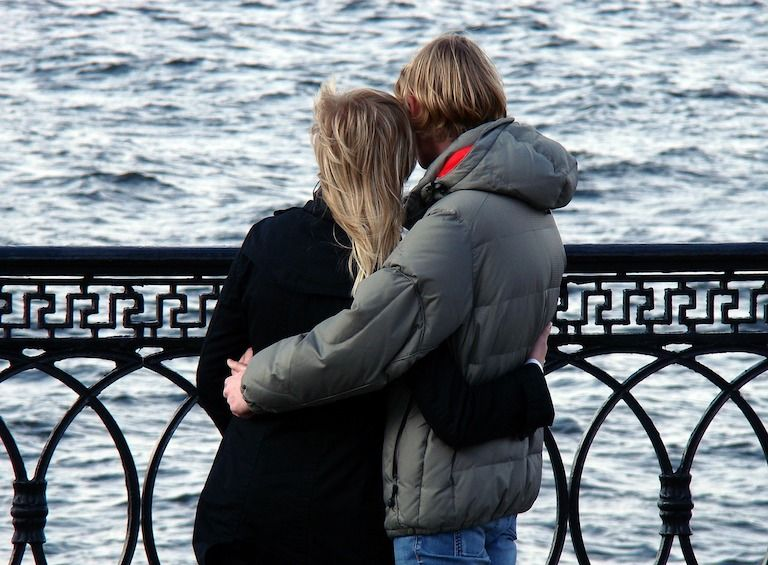 szeretetnyelvek, gyerekekről szülőknek, szeretet, szeretet kifejezése, párkapcsolat, párkapcsolati problémák