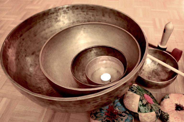 Kép 1: feszültség oldás, stresszoldás, tibeti tálak, hangtálak, öngyógyítás